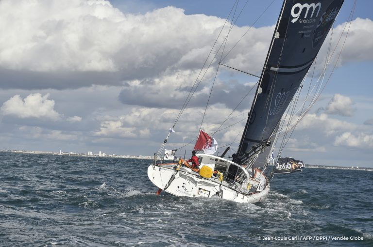Didac Costa en la Vendée Globe con velas Advanced Sails